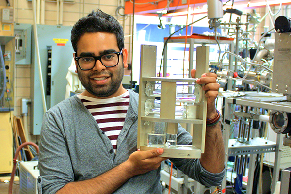 How does water behave in space? U of T researchers tackle longstanding mystery