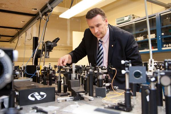 Engineering professors and alumni receive Ontario Professional Engineers Awards