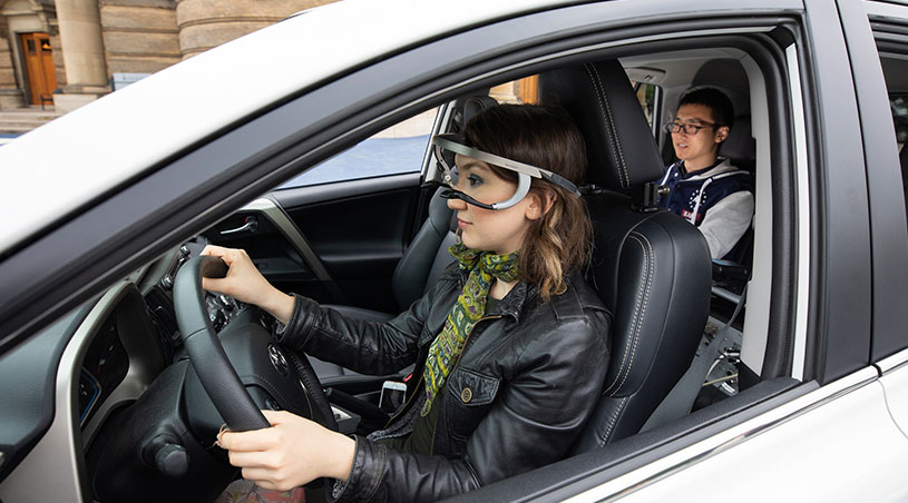 More than half of drivers don't look for cyclists and pedestrians before turning right, reveals MIE study